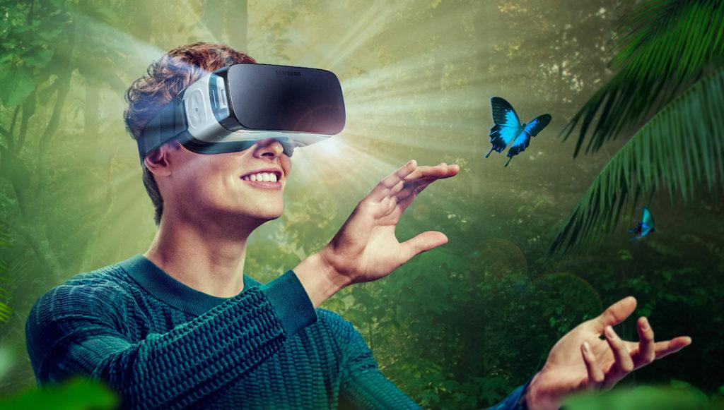 Utilisateur casque VR mobile video 360
